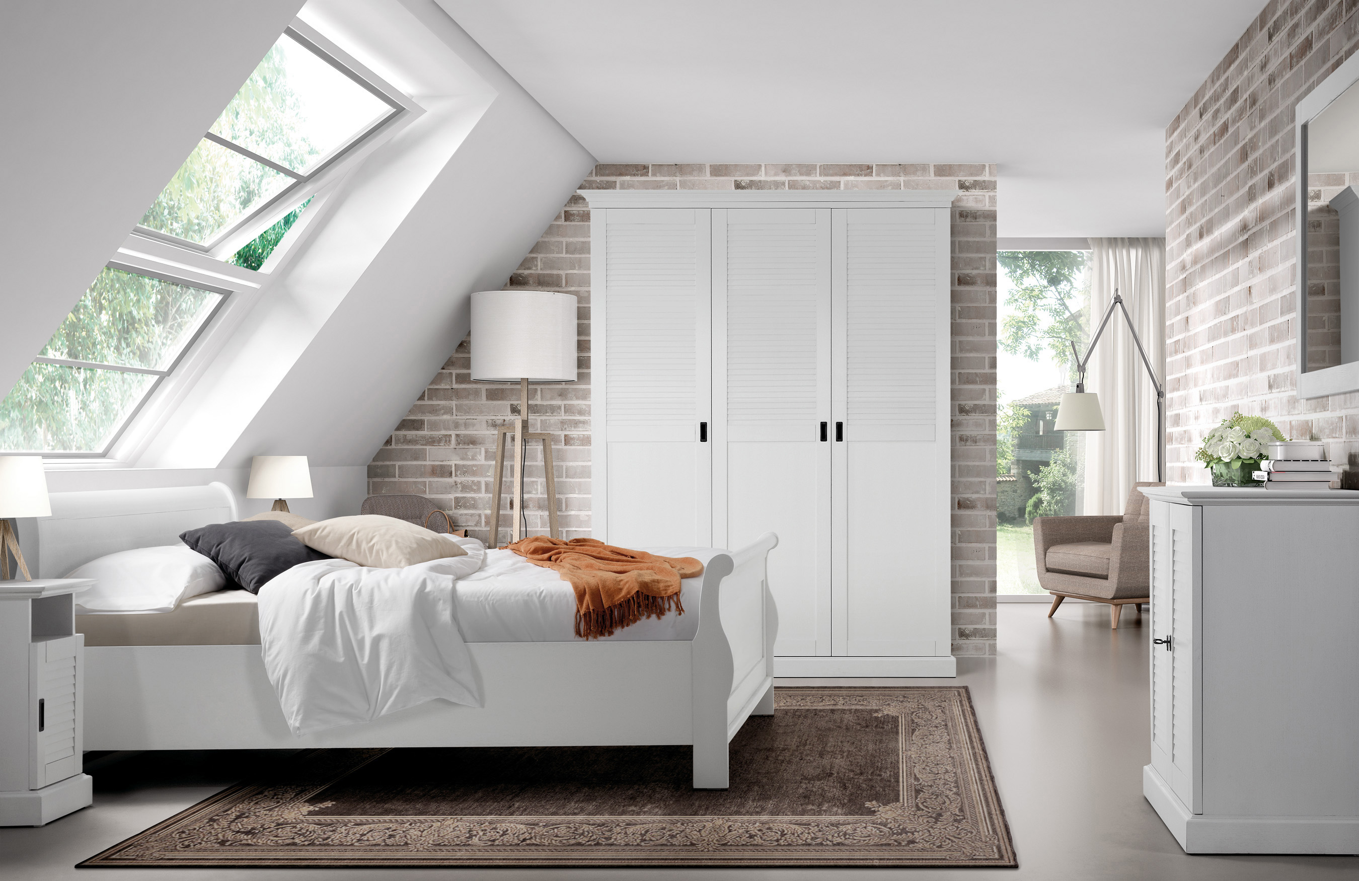 Slaapkamer classico collectie kasten tafels bedden fauteuils eetkamerstoelen kapstokken en - Slaapkamer kasten modellen slapen ...